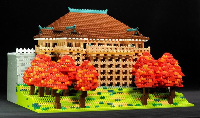 左斜前めからの清水寺